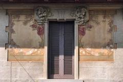 Brunate-como-villa-cantaluppi-giuliani-dettaglio-finestra-fiori-decorazioni-stile-liberty