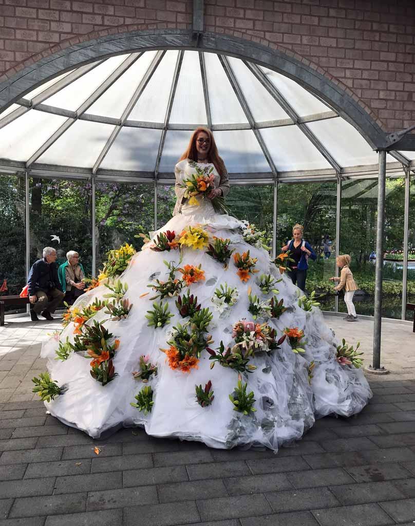 keukehof-grande-abito-da-sposa-con-fiori-nel-padiglione-willem-alexander