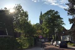 vista-di-vogelenzag-in-olanda-con-campanile-che-spunta